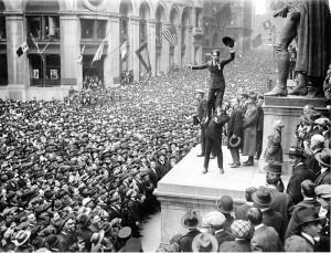 Fairbanks_and_Chaplin_Wall_Street_Rally_New_York_Times_1918
