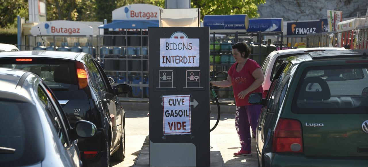 Pénurie d'essence et violence :  quand la France est censée aller mieux – Le Figaro 25/05/2016